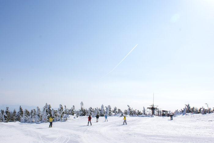 志賀高原で滑る